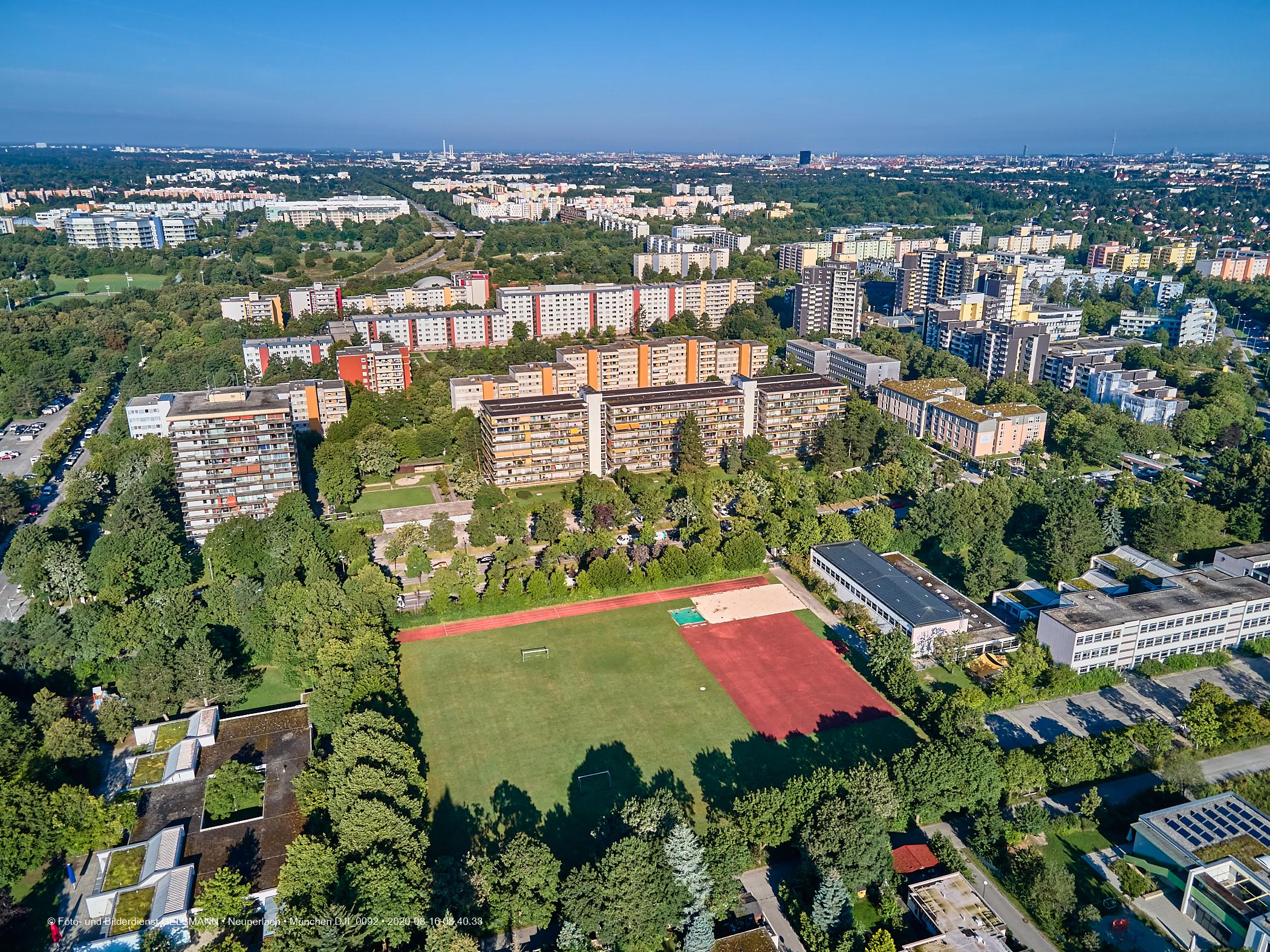 Marx-Zentrum und Studentenwohnheim Neuperlach in München